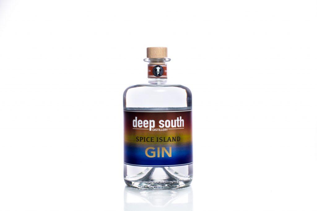 Gin bottle Pack Shot